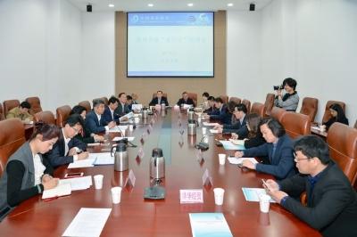 中国贸促会副会长陈洲来锡调研